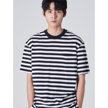 남성 블랙 솔리드 스트라이프 포켓 반소매 티셔츠 (429742DY25)