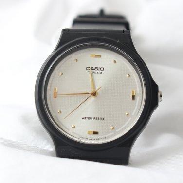 남성 카시오 우레탄 밴드 도트 아날로그 손목시계 화이트_A0138