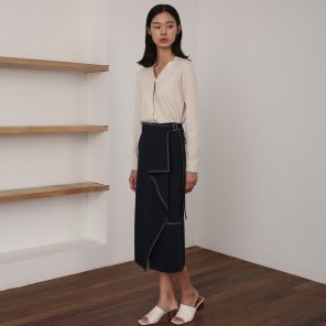 19AU BELTED WRAP SKIRT (NAVY)