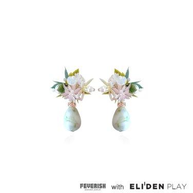 [피버리쉬] FLOWER BLAST SMALL DANGLE EARRINGS-WHITE (FB2E4)
