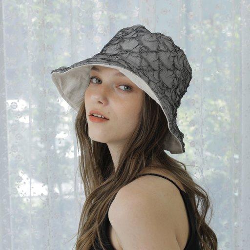 Reversible bucket hat - Wrinkled detail
