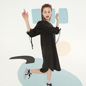 블랙 러플 벌룬 소매 드레스