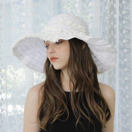 Soft frill hat - White
