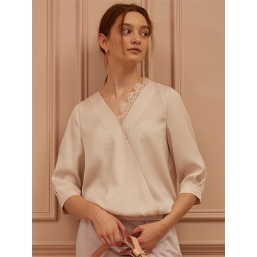 [까이에] Lace-Embellished Wrap-Effect Blouse