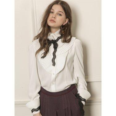 [까이에] Pleated wide collar blouse