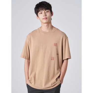 남성 베이지 레터링 프린트 라운드넥 티셔츠 (429742EY1X)