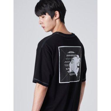 남성 [라이온킹] 블랙 우븐 프린팅 스티치 반소매 티셔츠 (429742LX25)