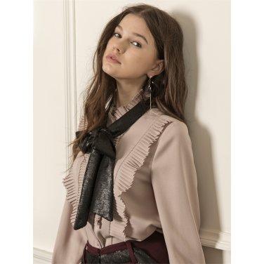 [까이에] Accordion-pleated ruffle ribbon blouse