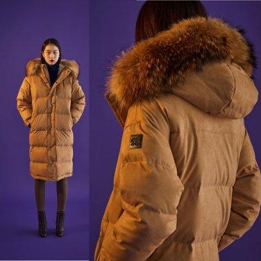 [쇼핑백증정]여성 스웨이드 긴기장 FUR 다운자켓(JKJDW18120BEI)