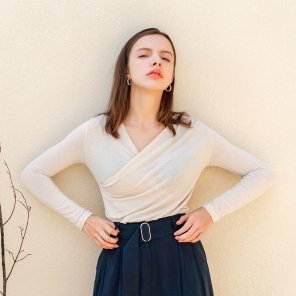 Feminine Vneck Pintuck Wrap Tshirt Cream(2019FTS320_04)