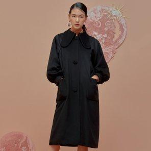 Lump Sleeve Coat-Black