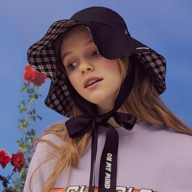 (CH-19103) REVERSIBLE CHECK FLARE BUCKET HAT BLACK