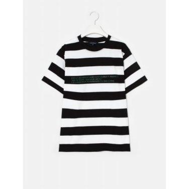 [Online Exclusive] 블랙 볼드 스트라이프 레터링 티셔츠 (BF9342N055)