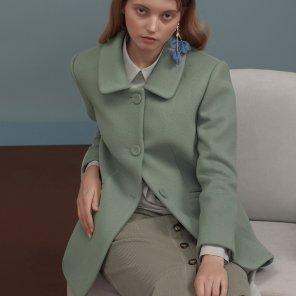 파스텔 그린 라운드 카라 재킷