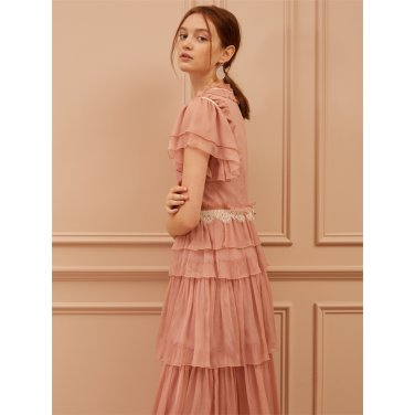 [까이에] Lace Embellished Tiered Silk Dress