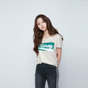 글리터 프린트 일자핏 티셔츠 EJ3CH763