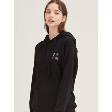 블랙 원포인트 자수 후드 티셔츠 (BF9941U115)
