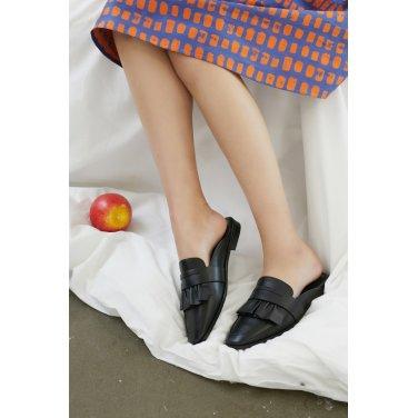 [질스튜어트뉴욕] 블랙 프릴 양가죽 페니 블로퍼 (굽높이: 2cm)JKSO9E257