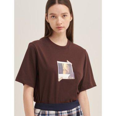 [30주년 Limited] 와인 포토 콜라주 프린트 티셔츠 (BF9742N01Z)